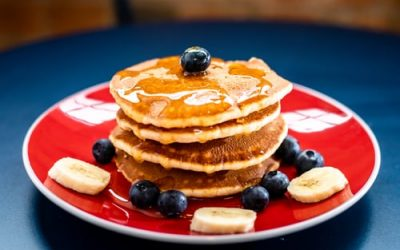 What are the steps to make pancakes?