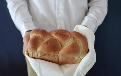 What are the steps for making a brioche
